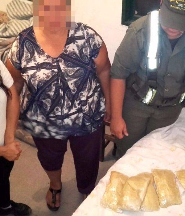 Detuvieron a cuatro mujeres con más de 15 kg de cocaína en Las Lajitas