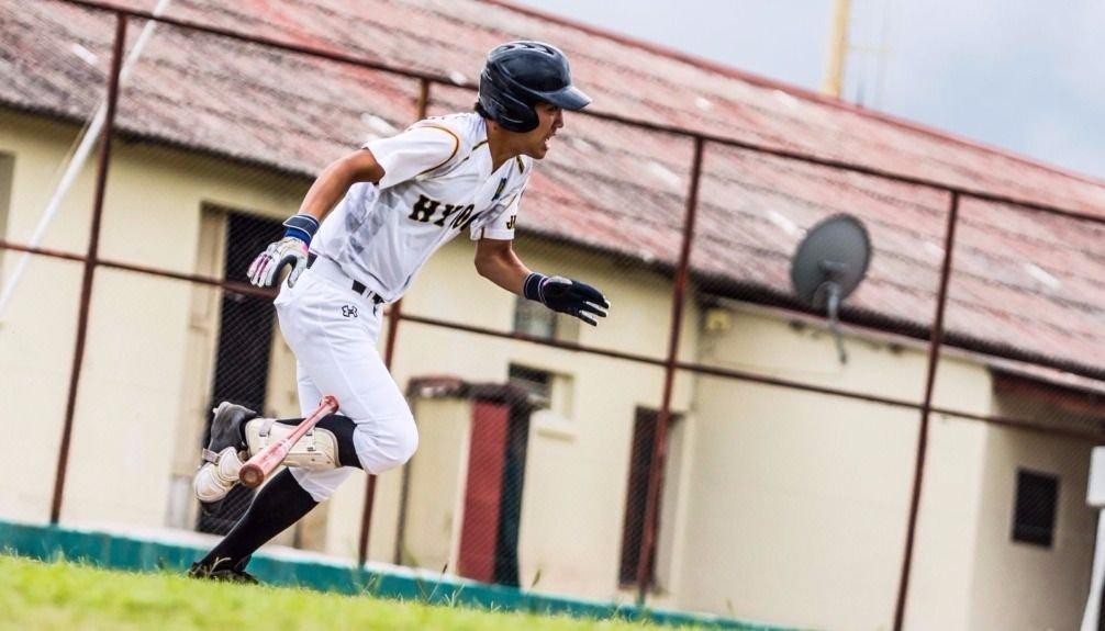 La selección de béisbol de Salta se enfrentó con Hyogo, equipo de Japón. Fotos: Jan Touzeau.