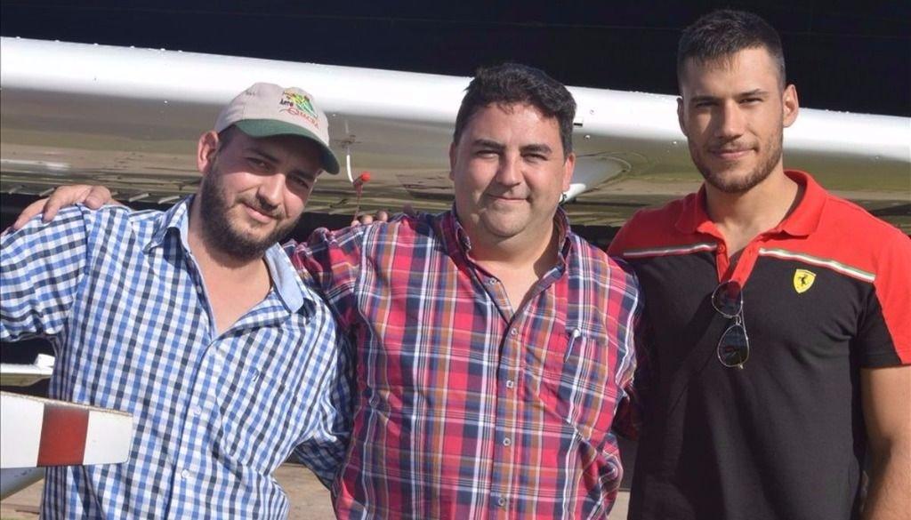 El Aeroclub  rosarino  aprobó a tres  nuevos pilotos
