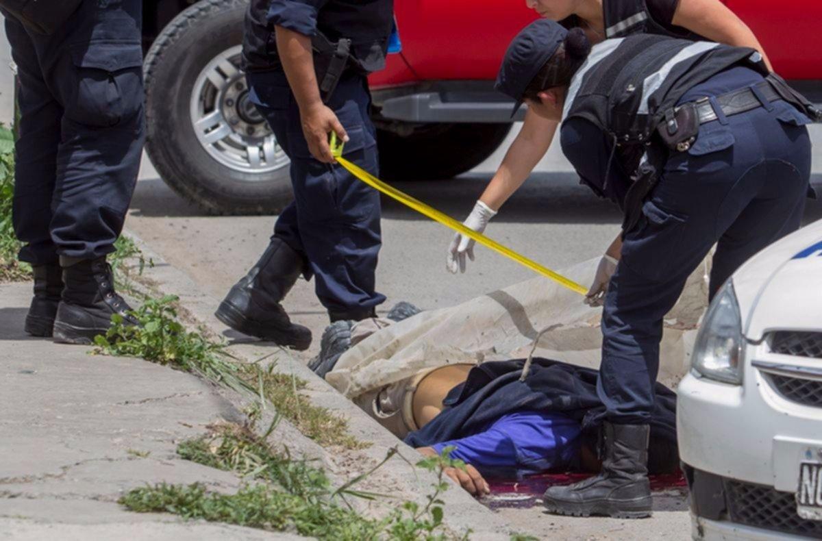Un adolescente de 17 años  murió tras chocar con su moto