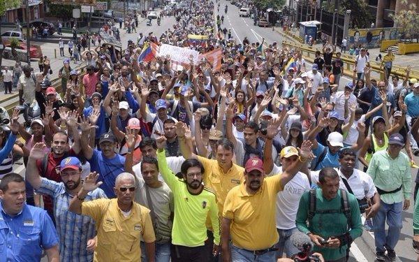 Plantones contra Maduro