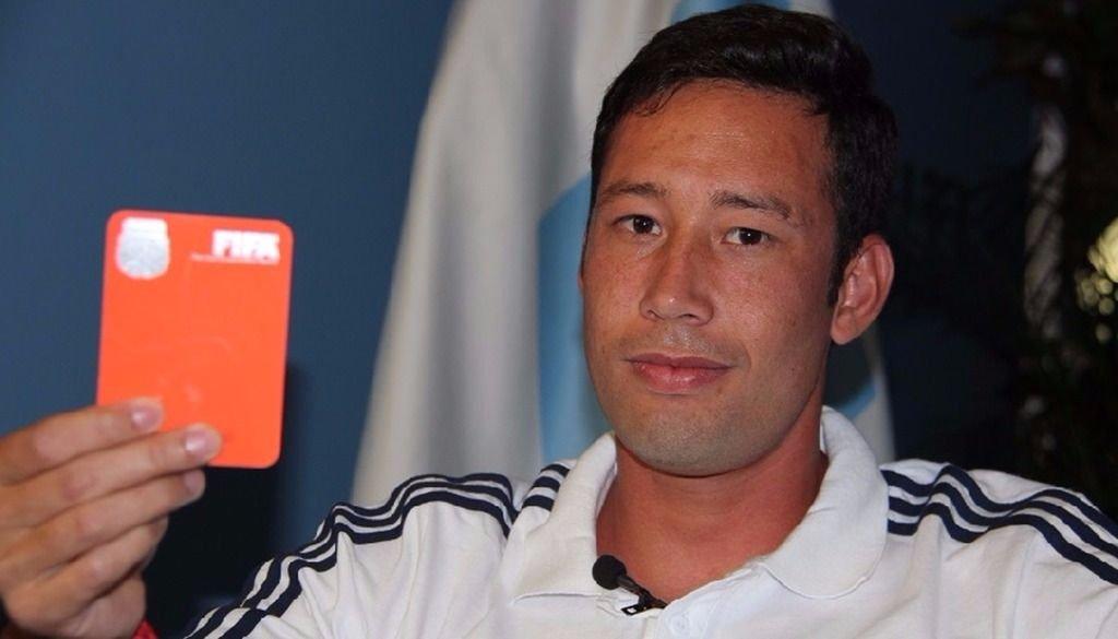 Jorge Sosa, el árbitro del encuentro entre Mitre y Gimnasia en Santiago