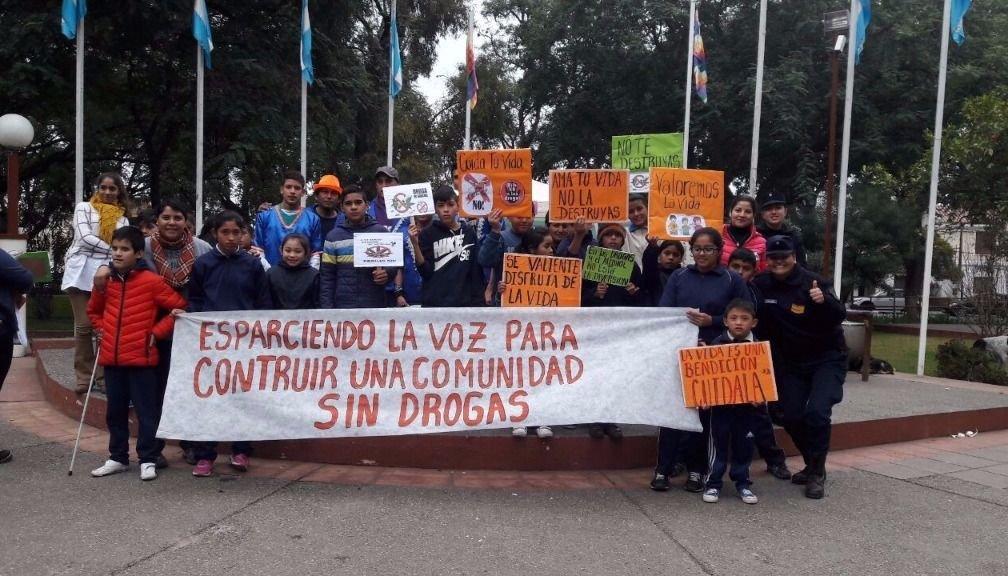 La Policía Infantil organizó la marcha contra las drogas