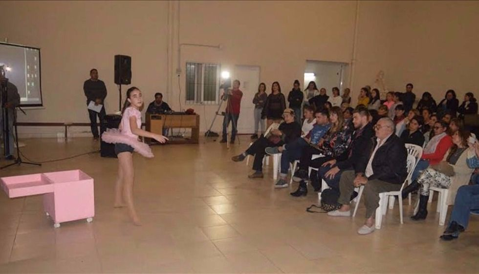 La danza rosarina recordó a una  profesora por el arte que sembró