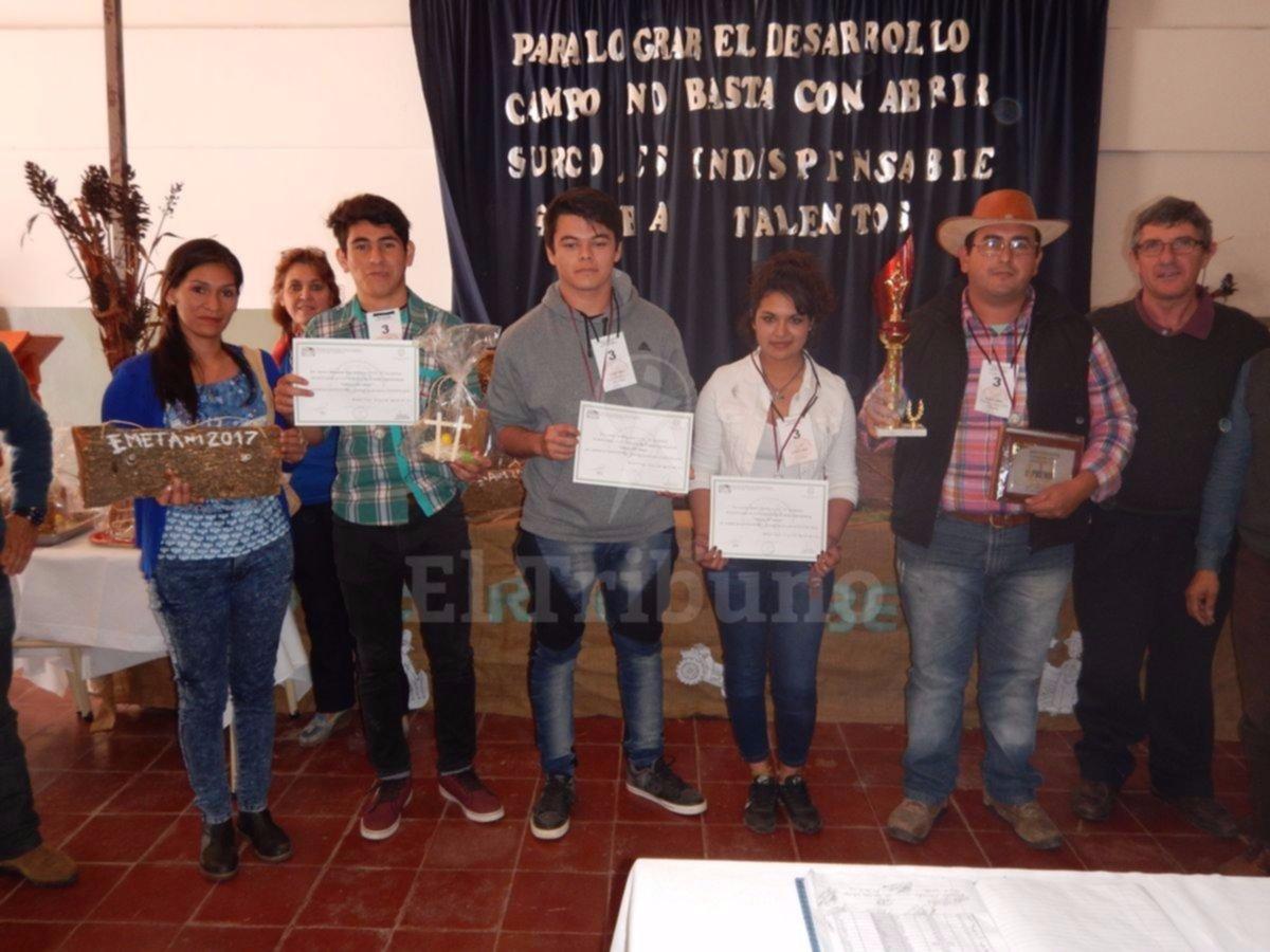 Reunión de escuelas agrícolas en la Emeta