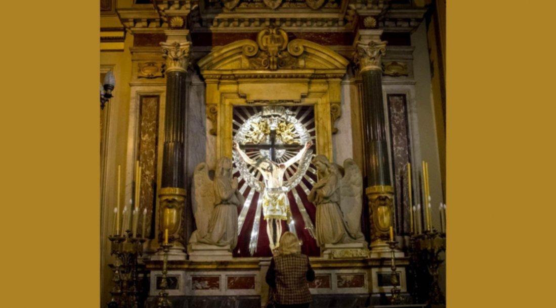El altar de m rmol del se or del milagro en la catedral for Origen del marmol