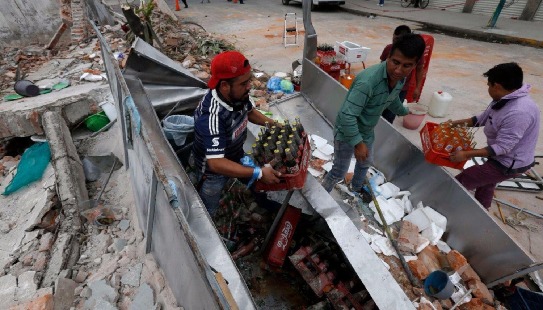 32 chicos murieron por el derrumbe de una escuela — México