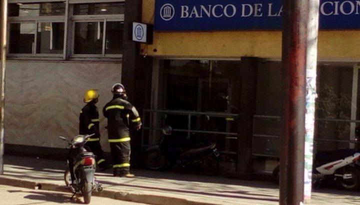 Dos amenazas de bomba preocupan a Tartagal: desalojaron un banco y una escuela