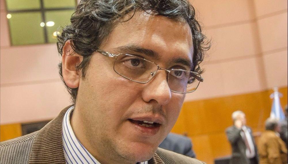 """Gustavo Solís: """"La política es más simple de lo que los políticos nos hacen creer"""""""