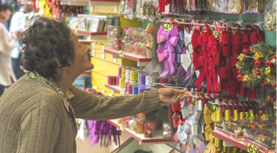Rboles de navidad ecl cticos van todos los materiales y - Arboles de navidad de diferentes materiales ...